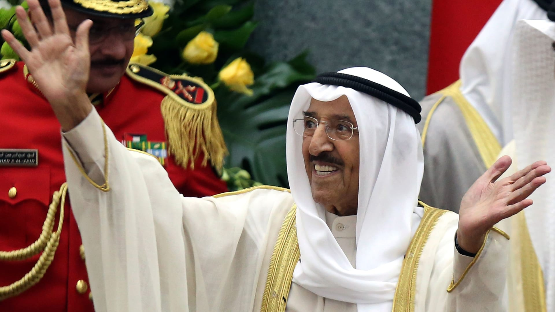 بعد دخول أمير الكويت إلى المستشفى.. تفويض ولي العهد بممارسة بعض اختصاصاته مؤقتا