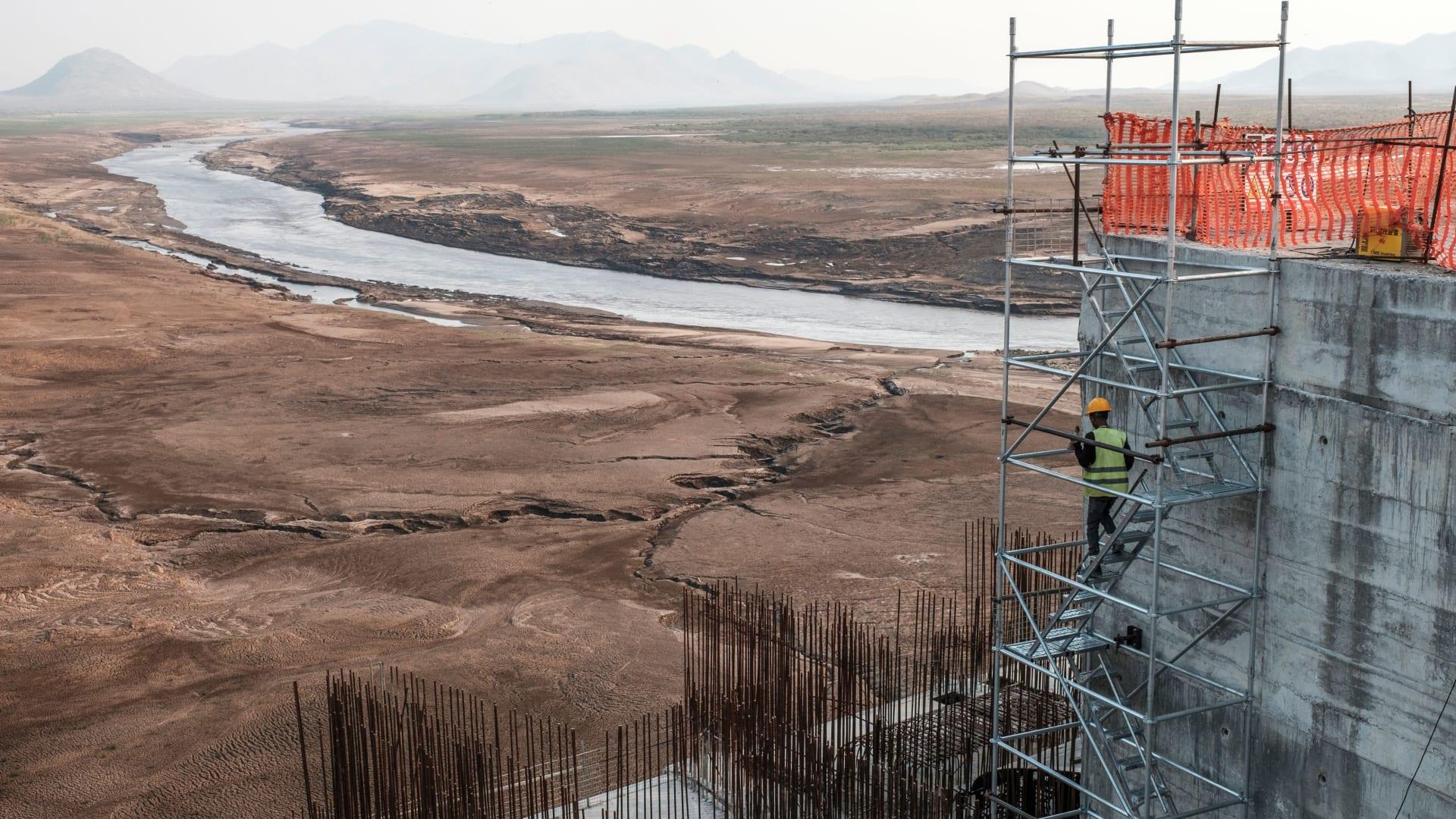 مصر عن مفاوضات سد النهضة: متمسكون بالأمل.. وارتفاع مفاجىء لمستوى المياه بالسودان