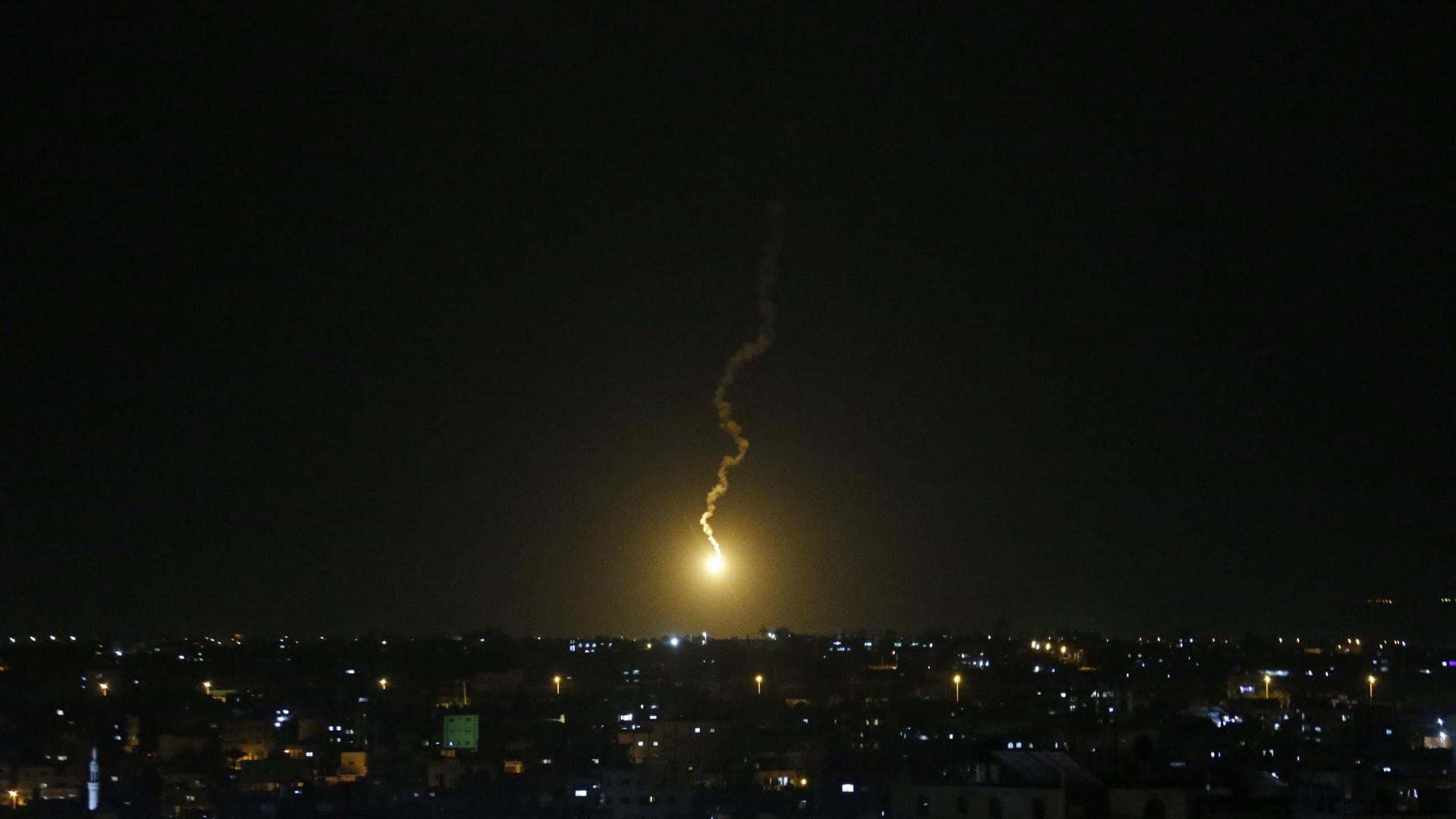 إسرائيل: إحباط هجوم بالعبوات الناسفة بالجولان.. وضربات جوية بعد إطلاق صاروخ من غزة