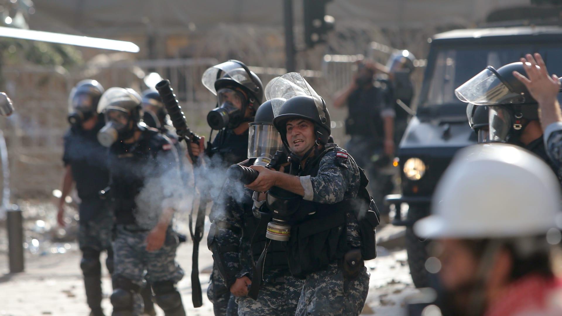 لبنان.. قوى الأمن الداخلي تنفي مواجهة المتظاهرين بالذخيرة الحية أو الرصاص المطاطي