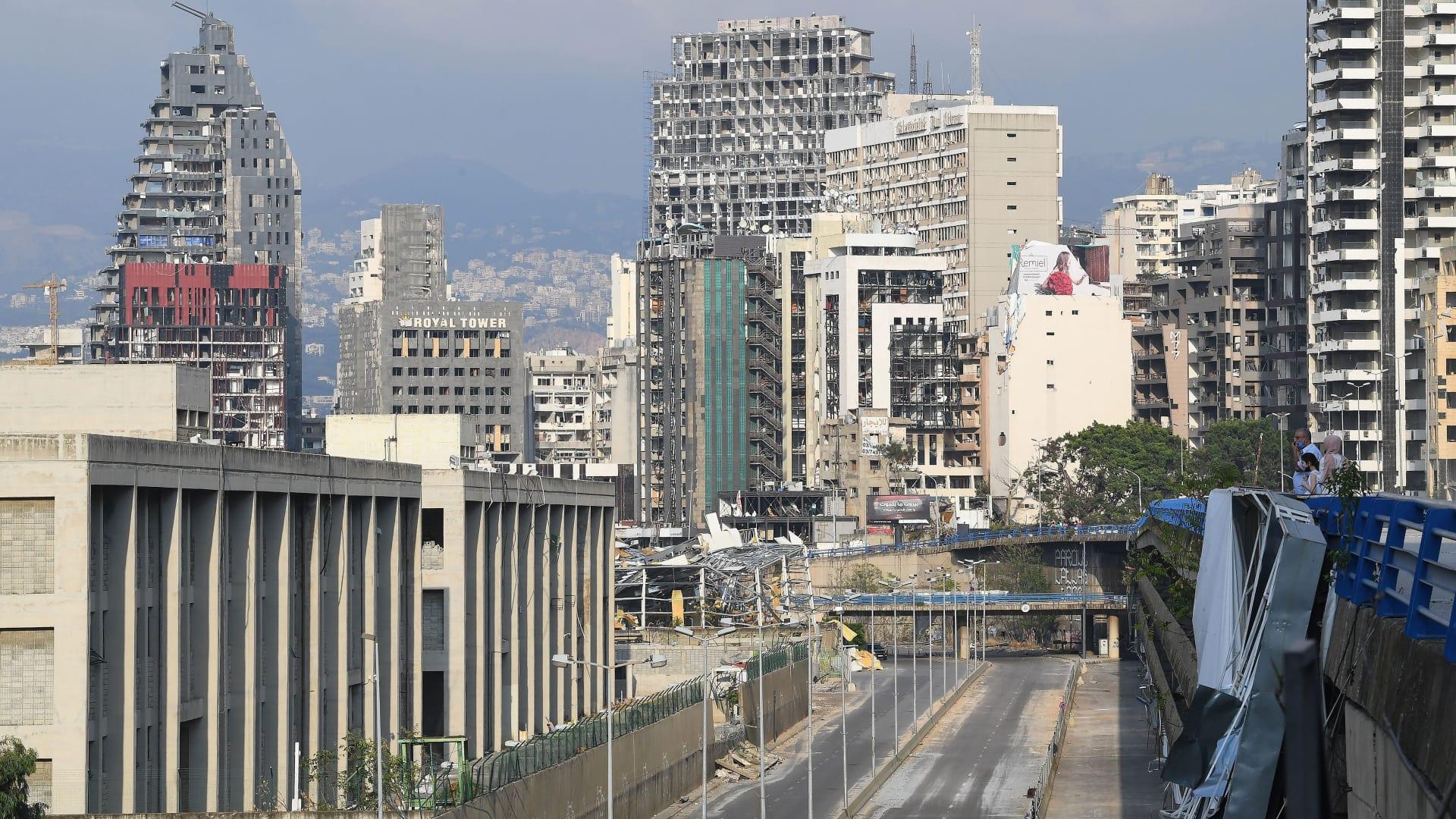 آثار انفجار مرفأ بيروت على بعض المباني القريبة نسبيا