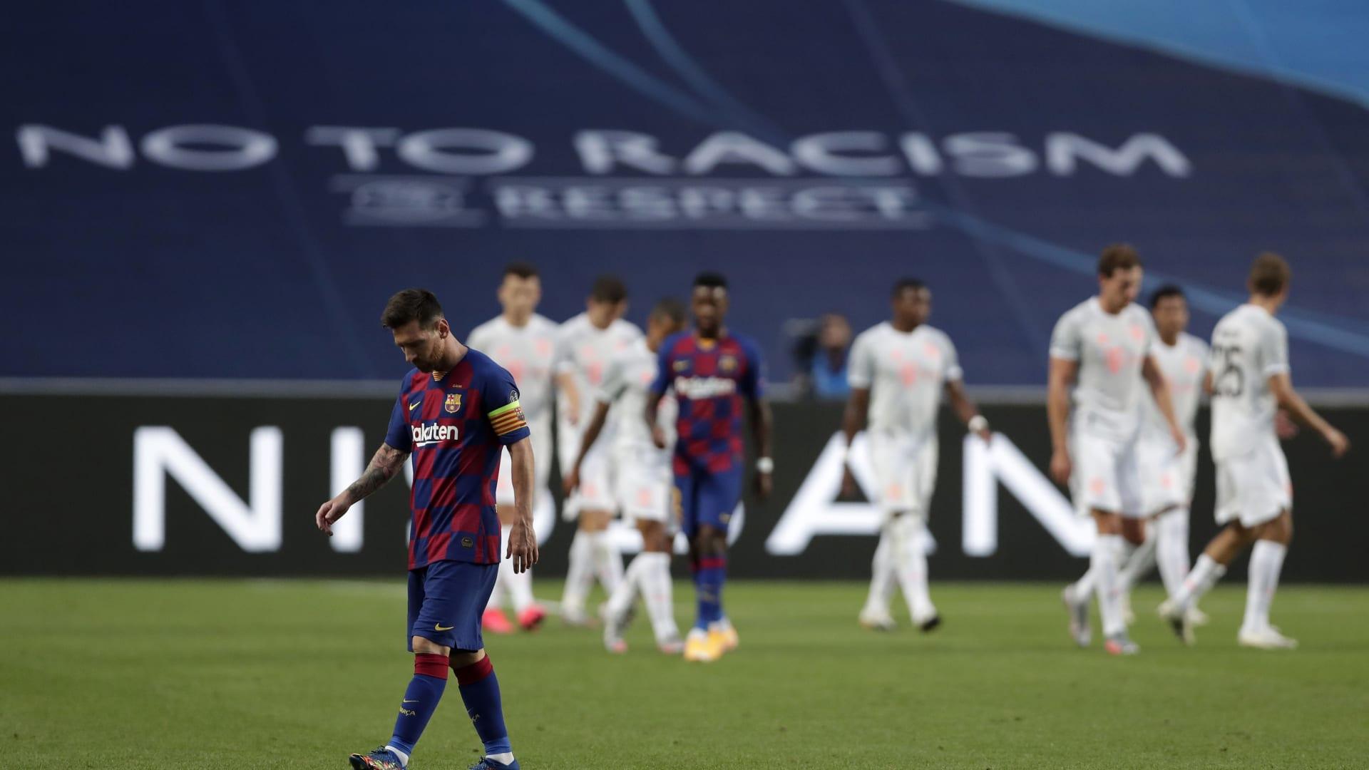 """هزيمة ثقيلة لبرشلونة على يد بايرن ميونخ بدوري أبطال أوروبا.. ورئيس النادي: """"كارثة"""""""