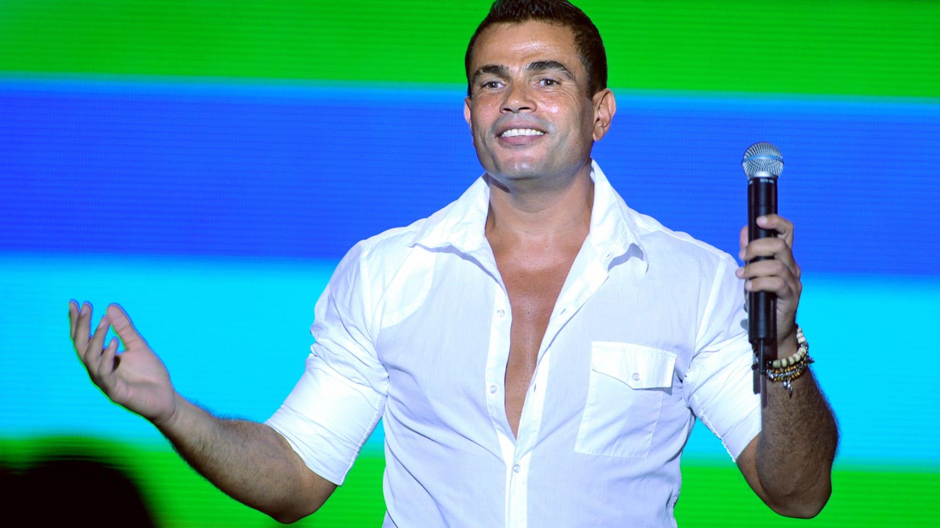 """هل تنجح """"نتفليكس"""" فعلاً في إعادة عمرو دياب للتمثيل؟"""