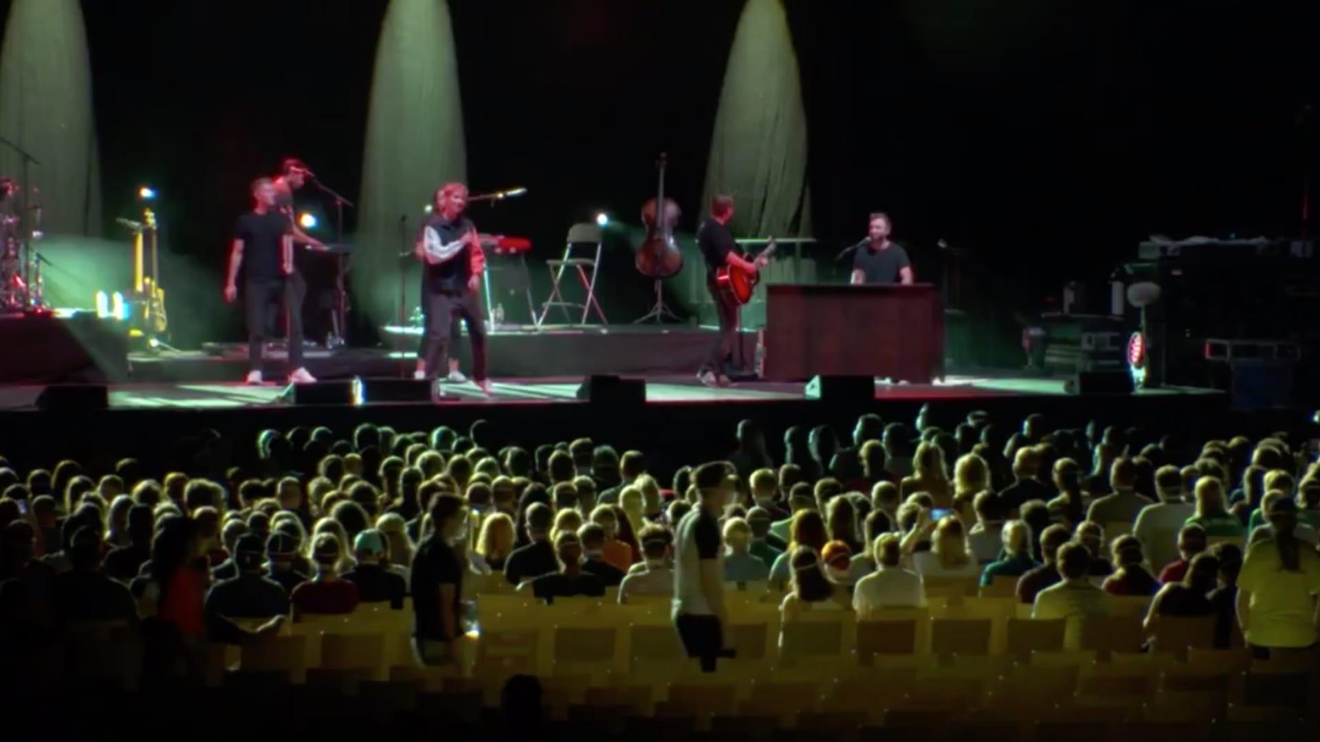 حضره حوالي 2000 شخص.. حفل موسيقي لباحثين ألمان عن كيفية انتشار كورونا