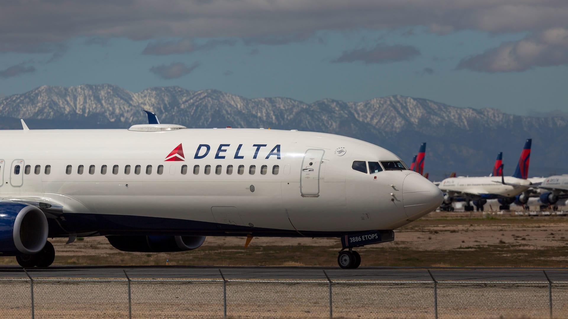 خطوط دلتا الجوية ستسرح حوالي 2000 طيّار بشكل مؤقت في أكتوبر