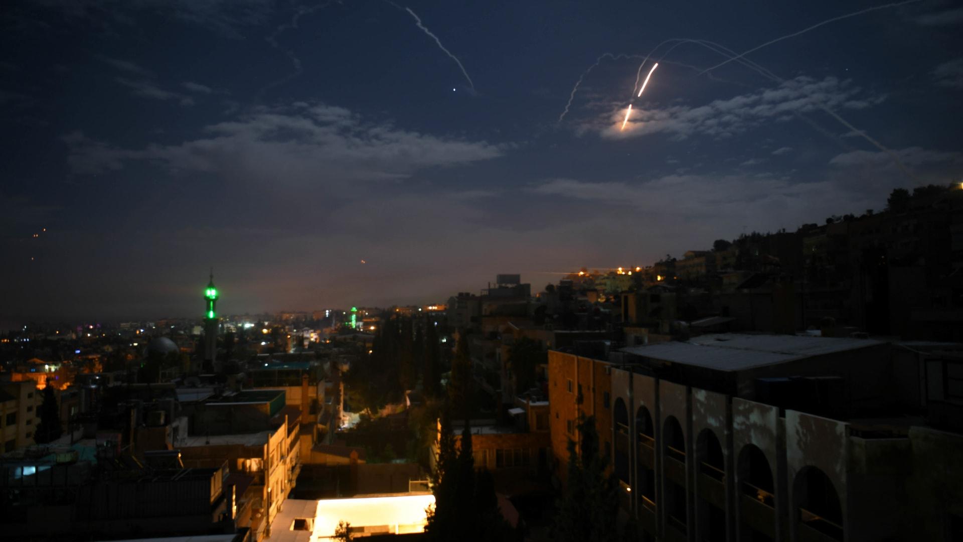 سانا: مقتل جنديين سوريين وإصابة 7 في قصف صاروخي إسرائيلي