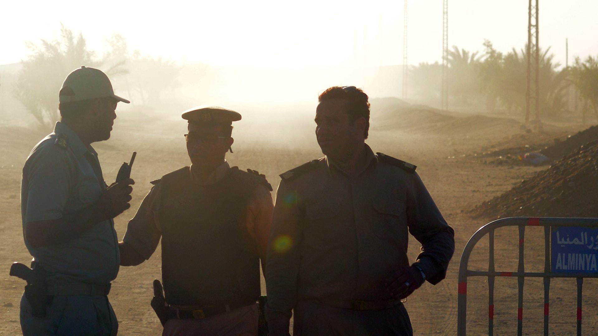صورة أرشيفية (تعبيرية) لعناصر بالشرطة المصرية