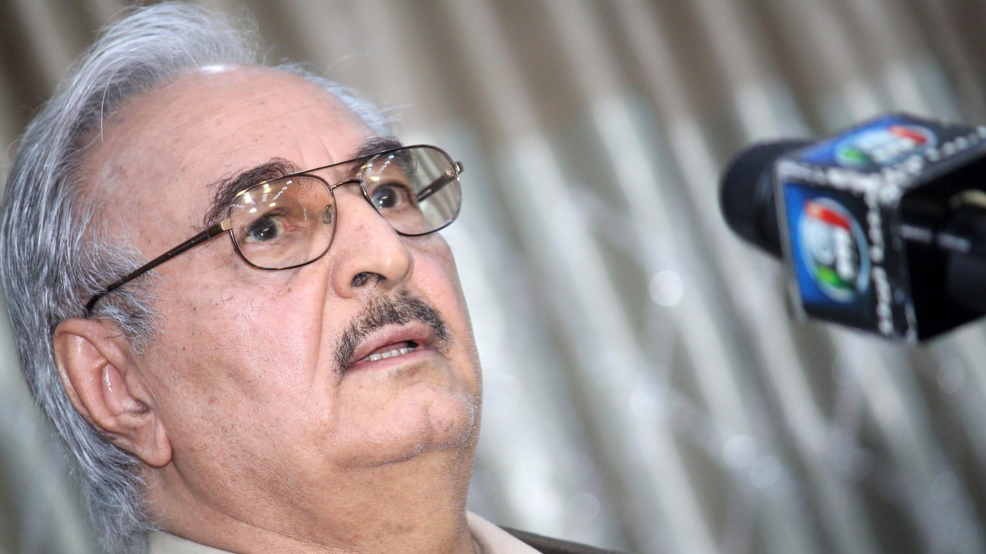 ليبيا.. حفتر يعلن استئناف عمل إنتاج وتصدير النفط بعد 6 أشهر من التوقف