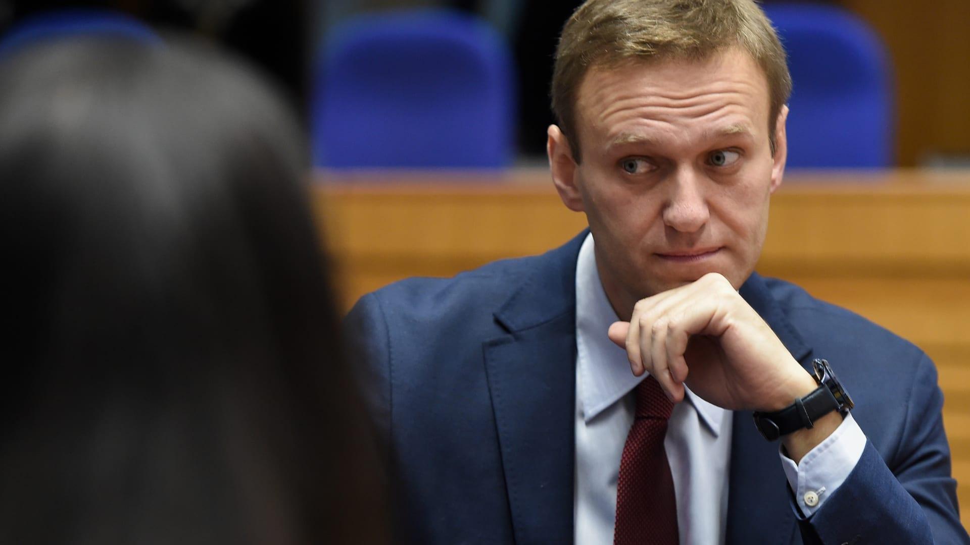 """مصادرة ممتلكات المعارض الروسي ألكسي نافلني لسداد ديون """"طباخ بوتين"""""""