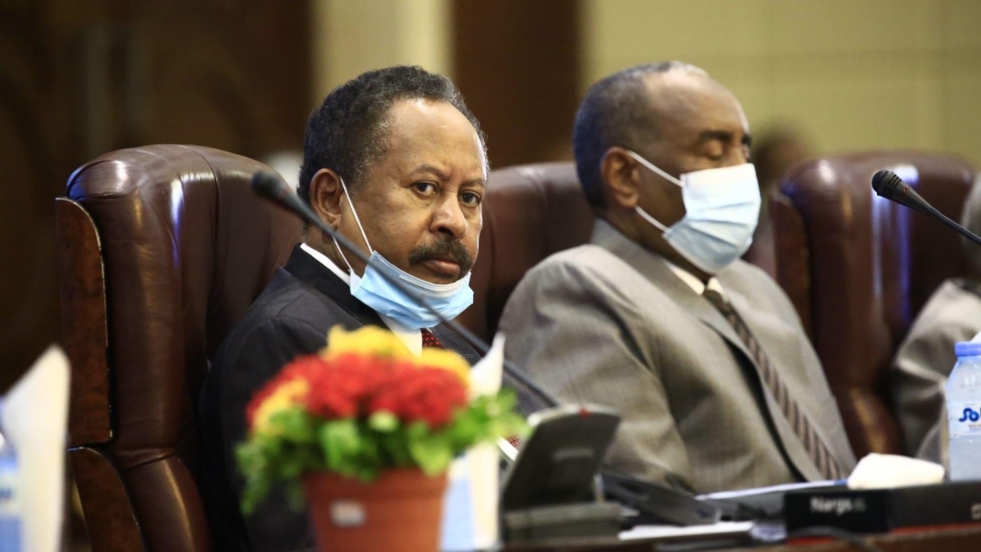 رئيس وزراء السودان: طلبت من بومبيو فصل مسار التطبيع عن رفع الخرطوم من قائمة الإرهاب