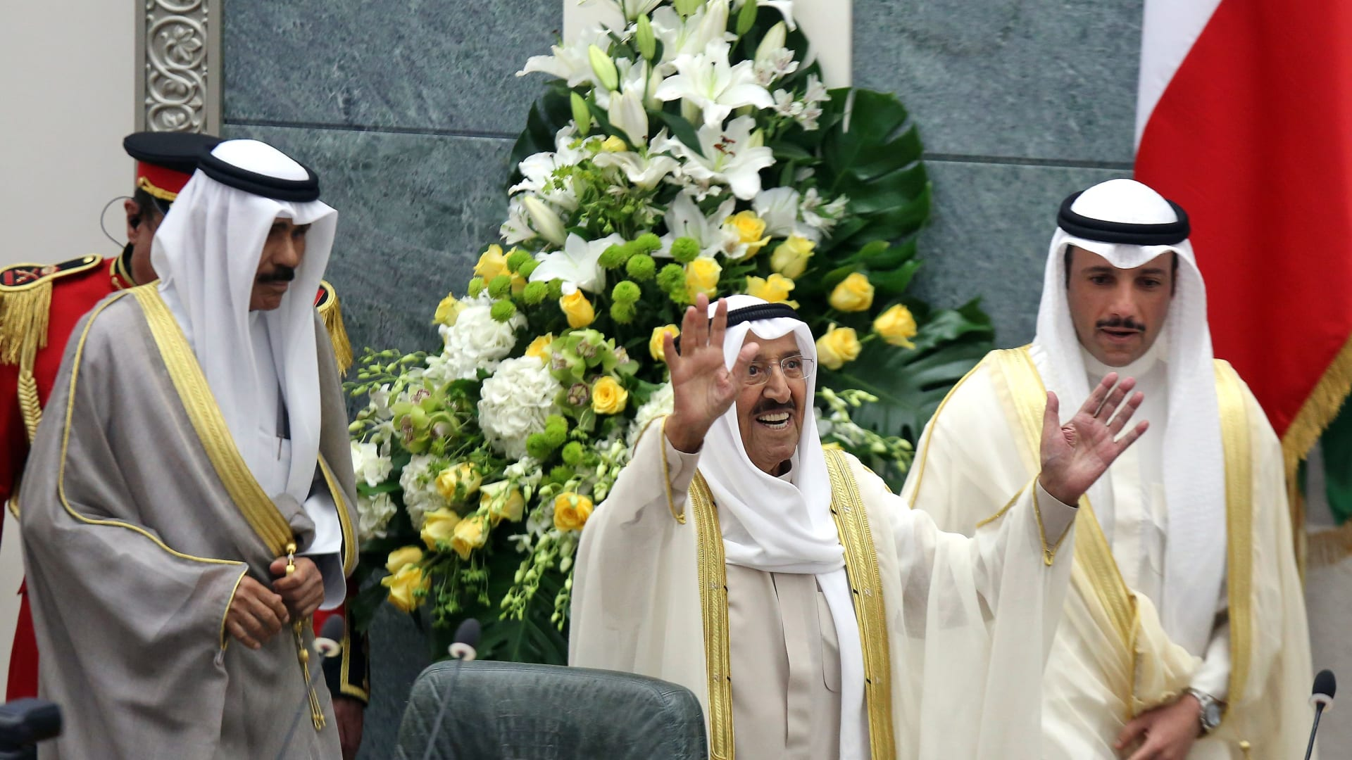 كيف تختار الكويت ولي العهد وما هي شروط الدستور والقانون؟