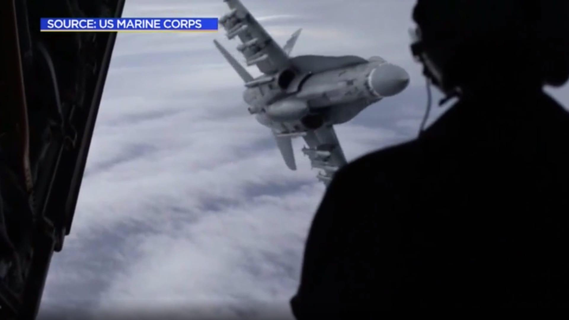 شاهد.. اللحظات الأولى بعد اصطدام مقاتلة F35 بناقلة وقود في الجو