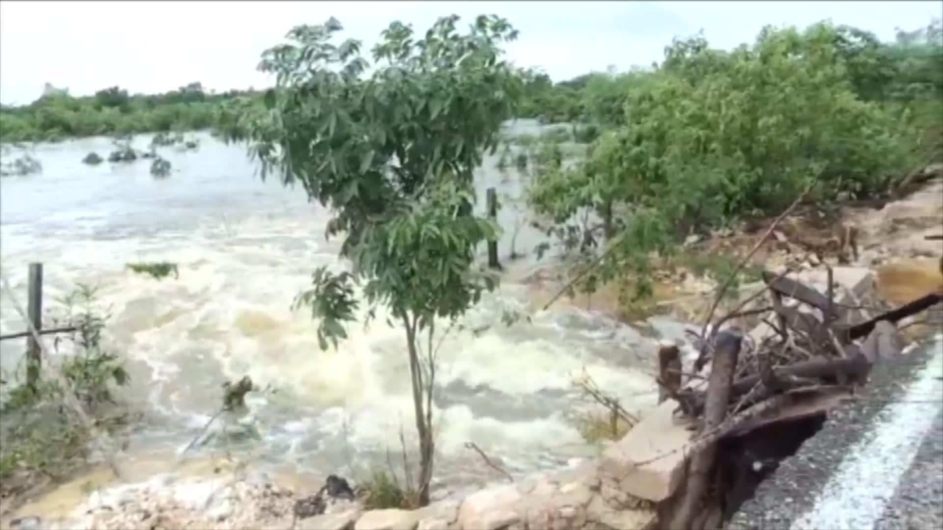 شاهد الدمار الذي خلفه إعصار دلتا في المكسيك