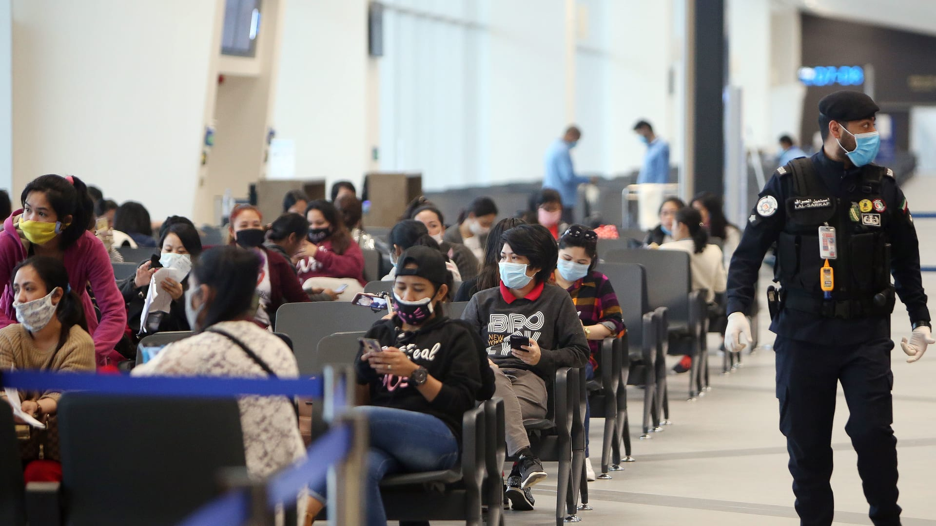 """الكويت تقر قانون لـ""""تنظيم التركيبة السكانية"""" وتقليص أعداد الوافدين"""