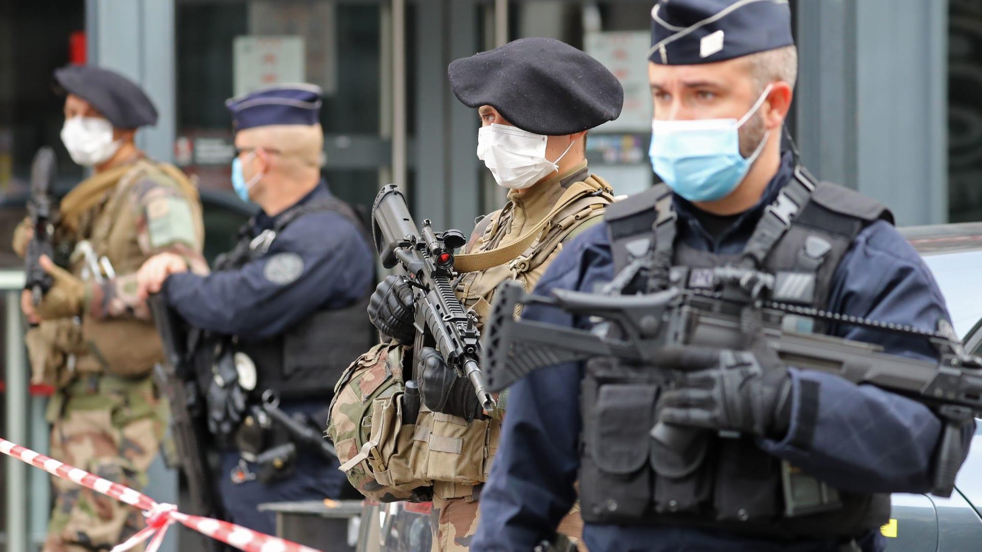 """فرنسا ترفع التأهب الأمني بعد هجوم نيس.. وتتوعد برد """"حازم وفوري"""""""
