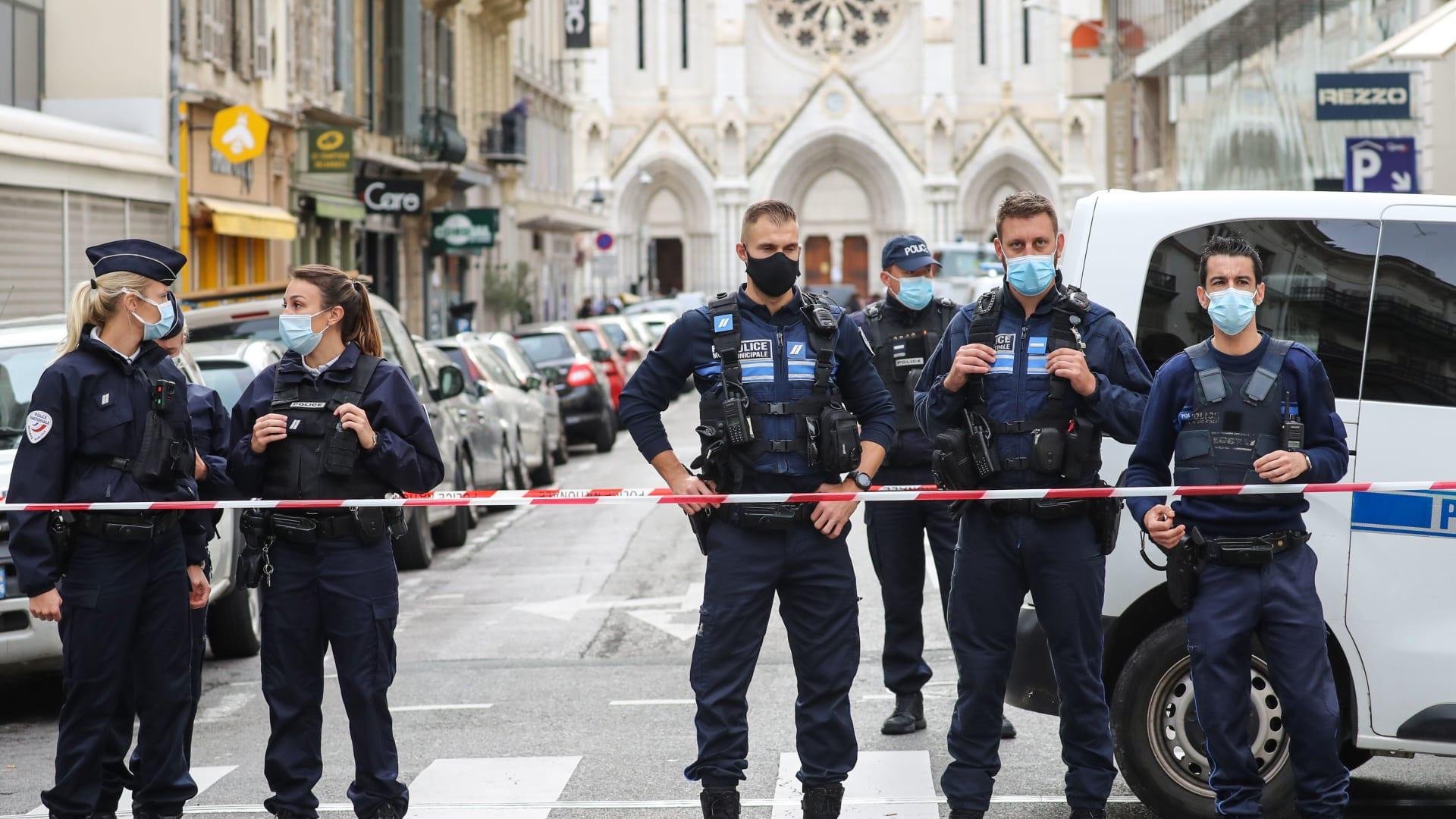 فرنسا تعلن هوية منفذ هجوم نيس.. وتونس تفتح تحقيقا قضائيا