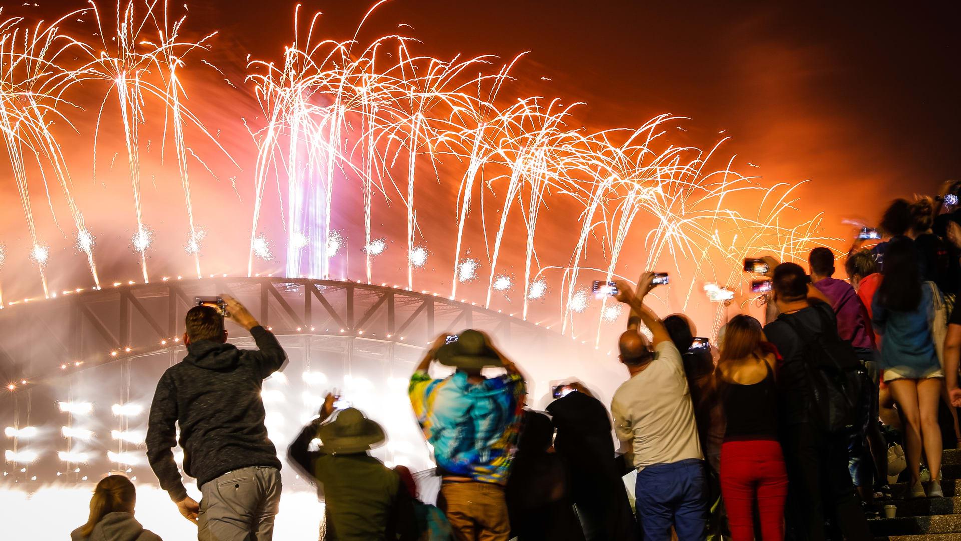 """احتفالات رأس السنة في زمن كورونا.. سيدني تقيد عرض الألعاب النارية الشهير إلى """"بضع دقائق"""""""