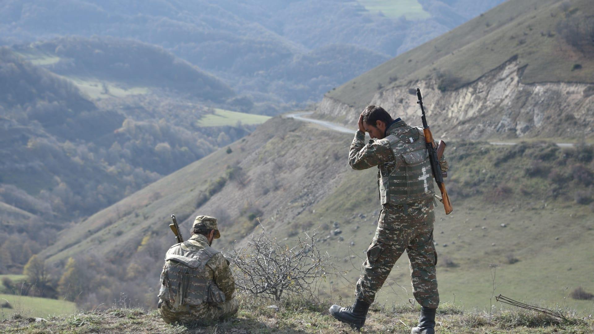 """اتفاق إنهاء الحرب.. أذربيجان سعيدة ورئيس الوزراء الأرميني: """"معاهدة مؤلمة"""""""