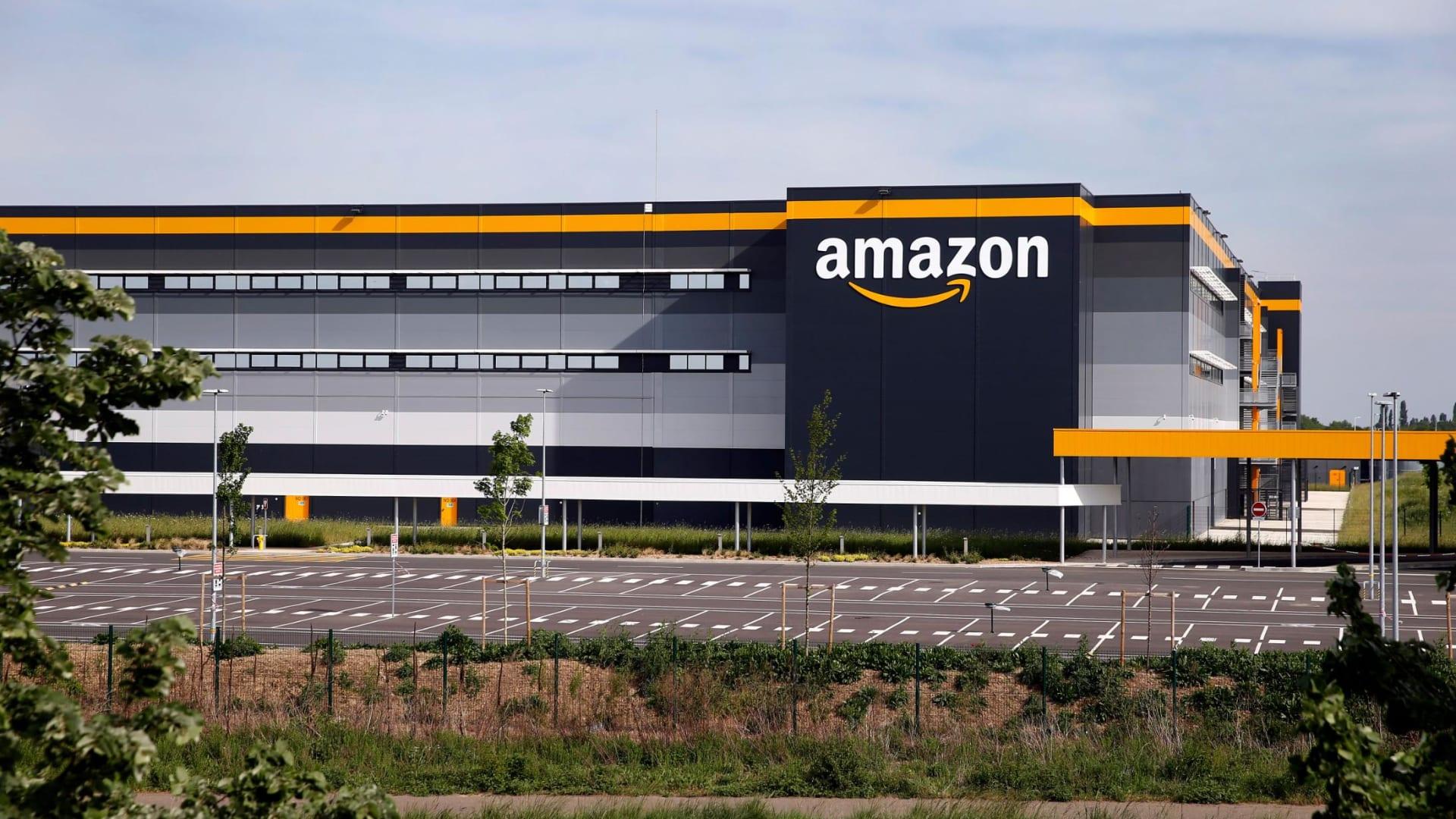 الاتحاد الأوروبي يتهم أمازون بانتهاك قواعد مكافحة الاحتكار