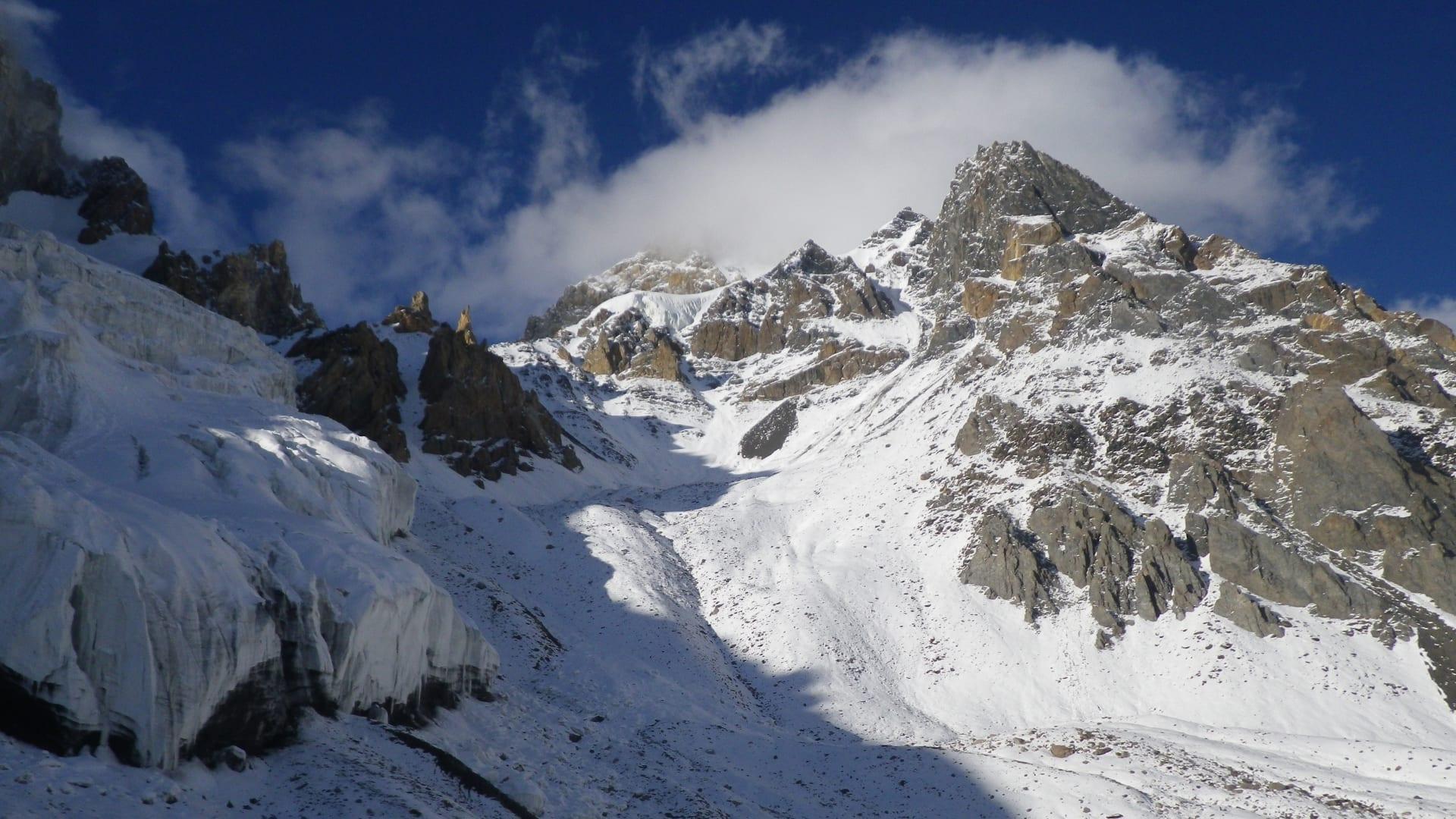 """أعلى قمة غير متسلقة في العالم.. ما قصة جبل """"موتشو تشيش"""" في باكستان؟"""