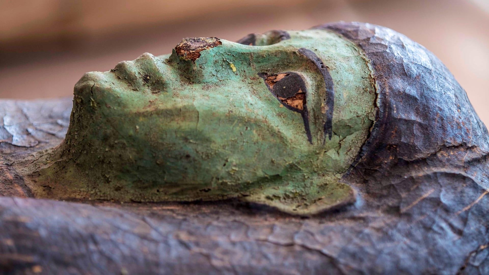 بـ 100 تابوت بشري مغلق منذ أكثر من 2500 عام.. مصر تعلن عن أكبر اكتشاف أثري لعام 2020