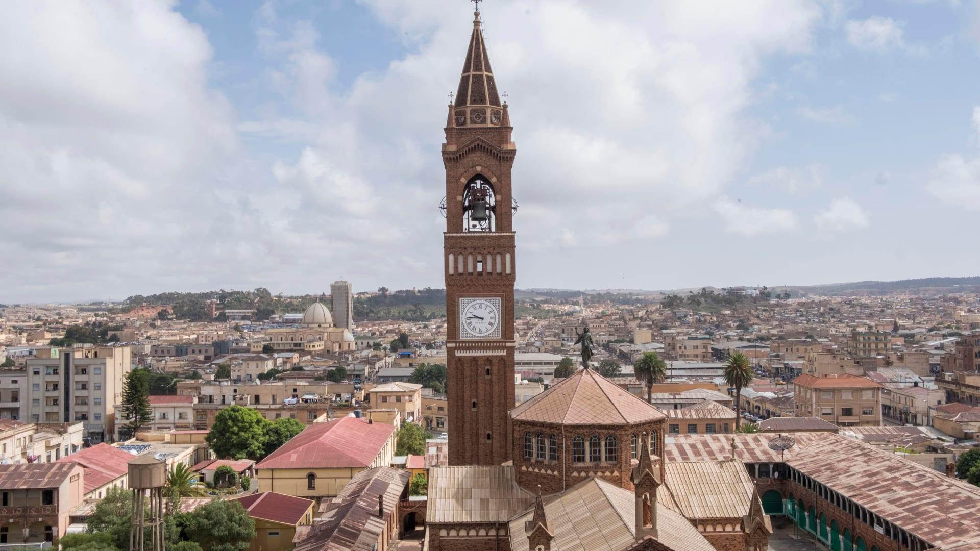 """زعيم منطقة تيغراي الإثيوبية يؤكد قصفه عاصمة إريتريا: """"بلادنا تهاجمنا بدولة أجنبية"""""""