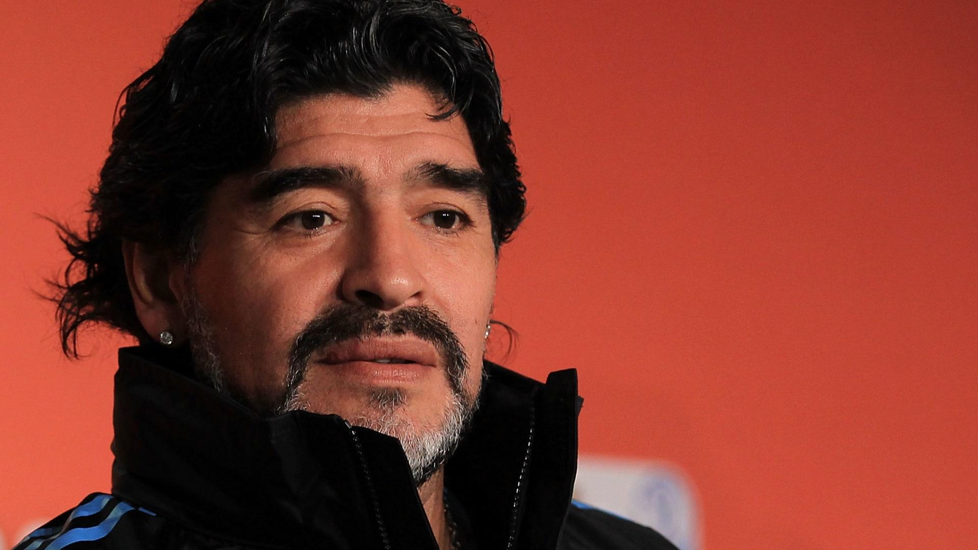 """مدعون أرجنتينيون يحققون في """"إهمال خاطىء"""" حول وفاة مارادونا"""