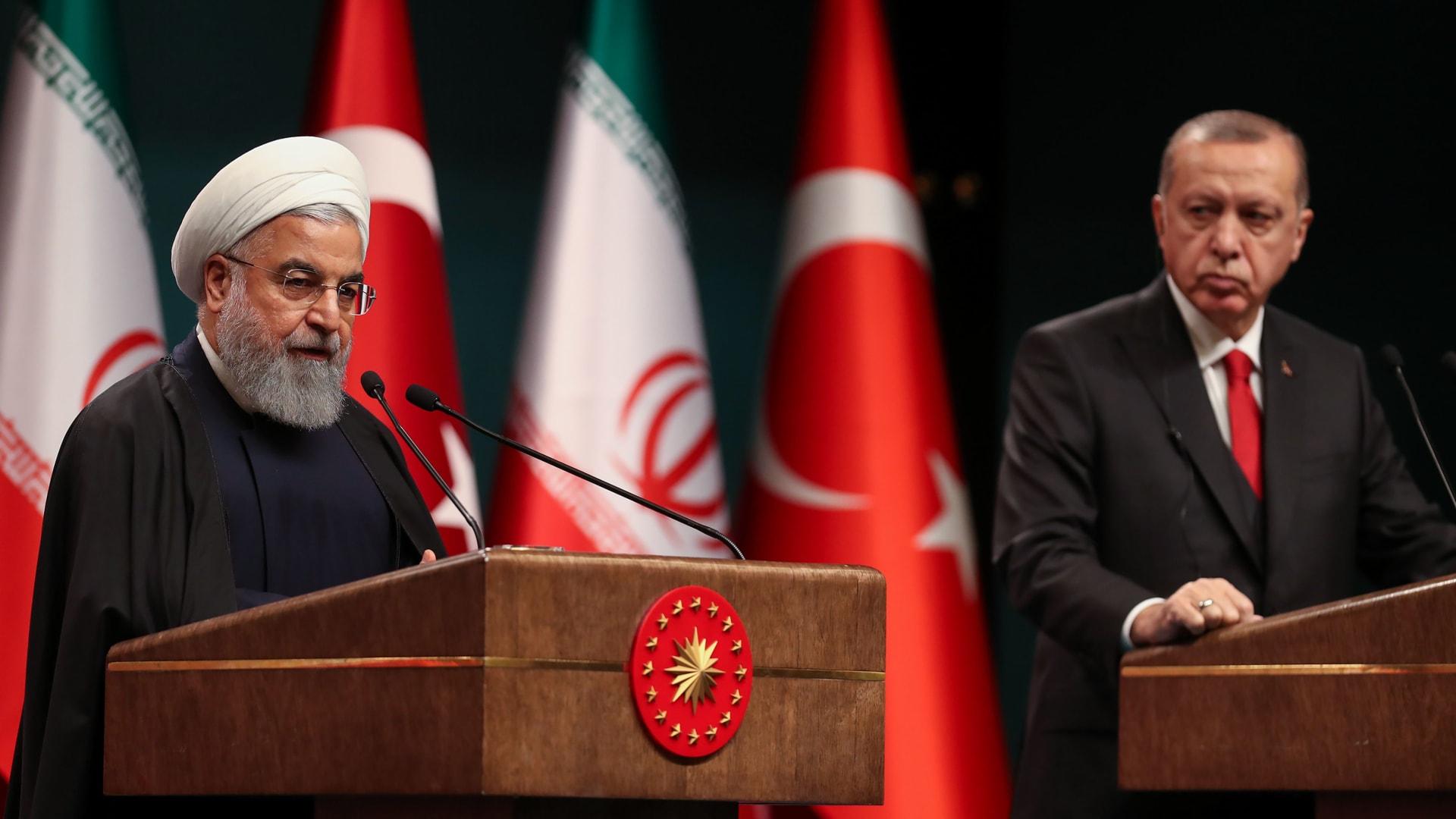 روحاني لأردوغان: نعرف قتلة فخري زاده.. والرئيس التركي: دوائر ظلام المنطقة ستفشل