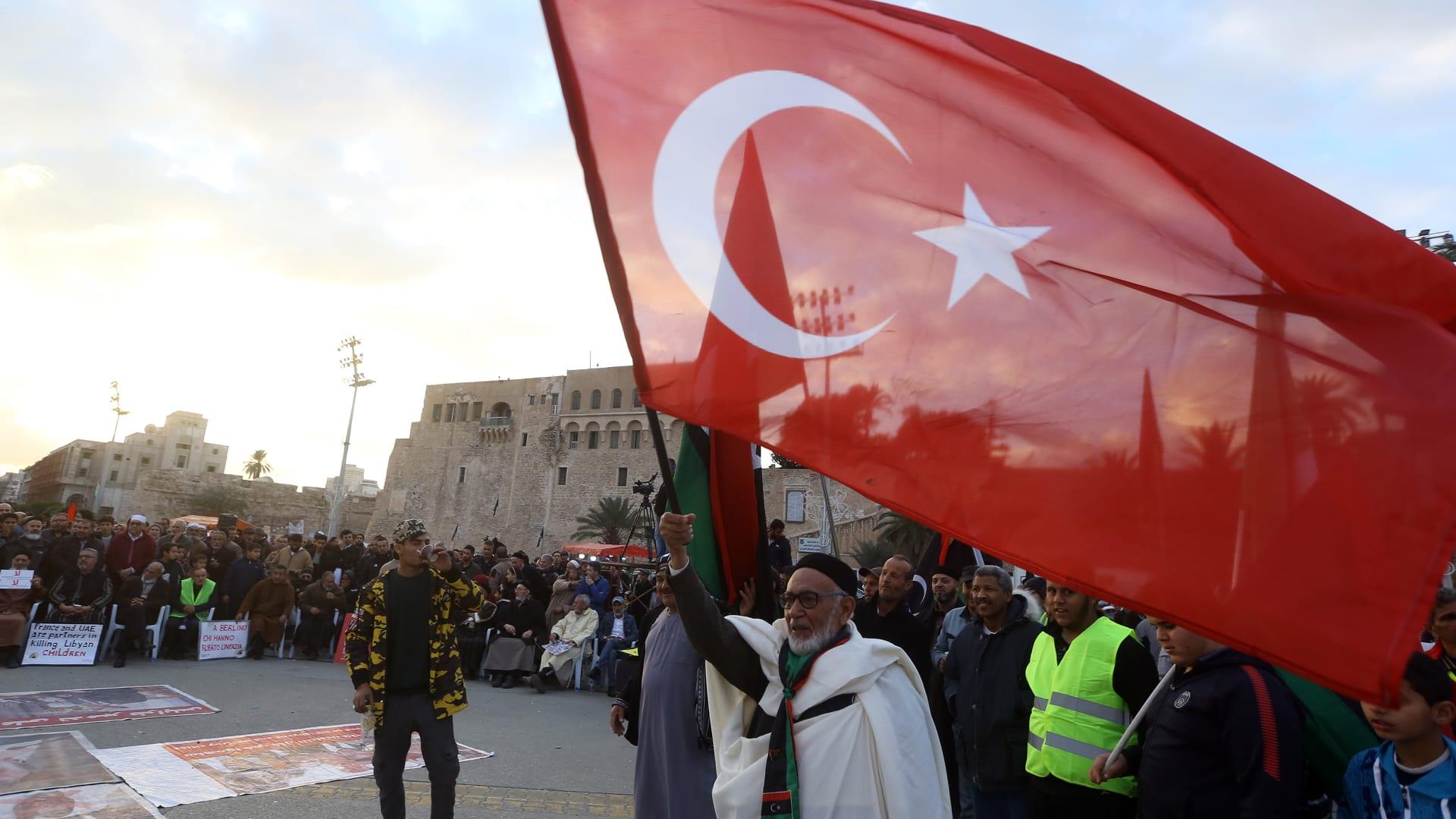 """تركيا ترد على احتجاز قوات حفتر لسفينة تابعة لها وتُحذر من """"عواقب وخيمة"""""""