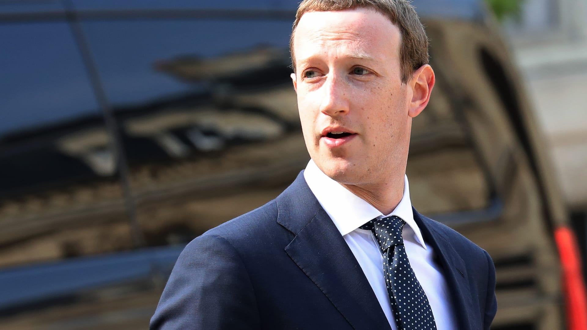 أكثر من 40 ولاية أمريكية تقاضي فيسبوك.. هل حان وقت تفكيك عملاق وسائل التواصل الاجتماعي؟