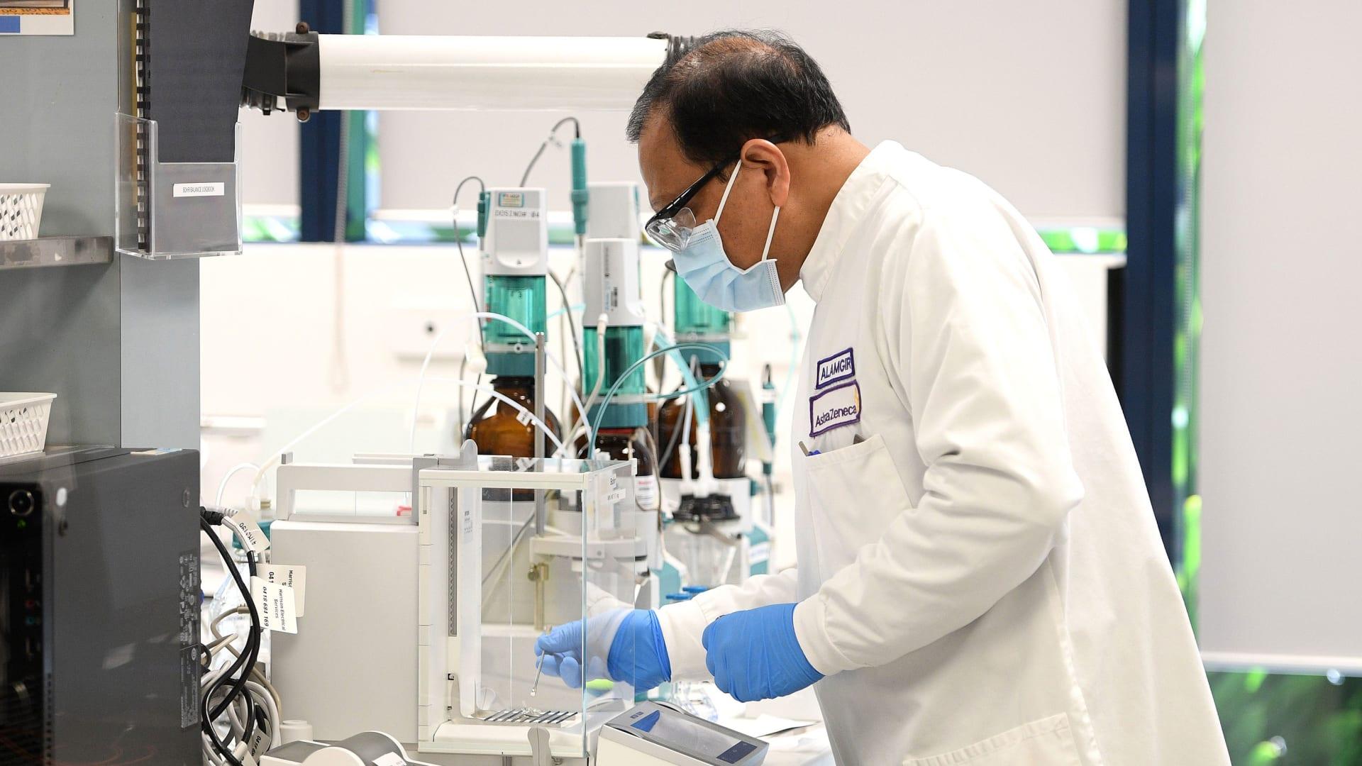 """شركة """"أسترازينيكا"""" المطورة للقاح كورونا تستحوذ على """"أليكسيون"""" للأمراض النادرة"""