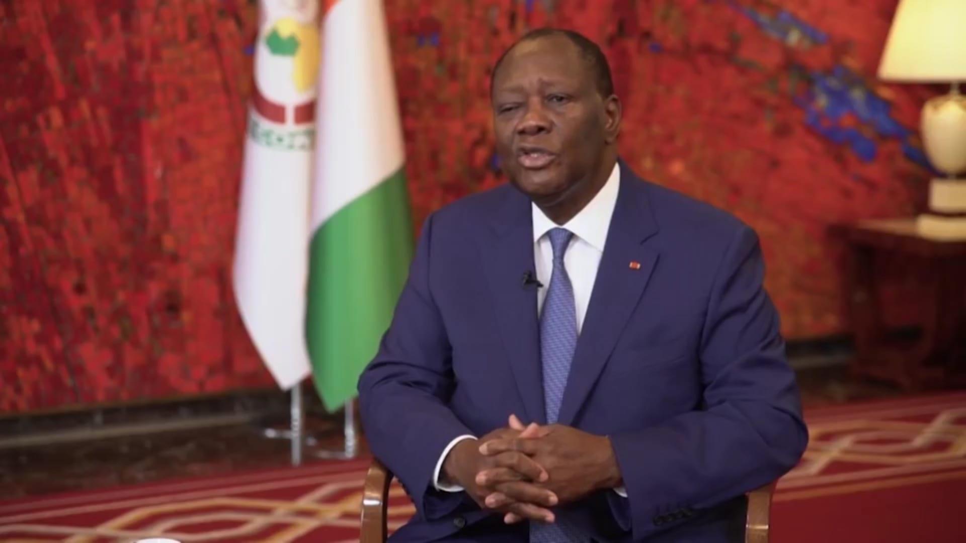 """الرئيس الإيفواري يرد على اتهامات بالقمع.. وفرنسا """"تضحي بالديمقراطية مقابل الاستقرار"""""""