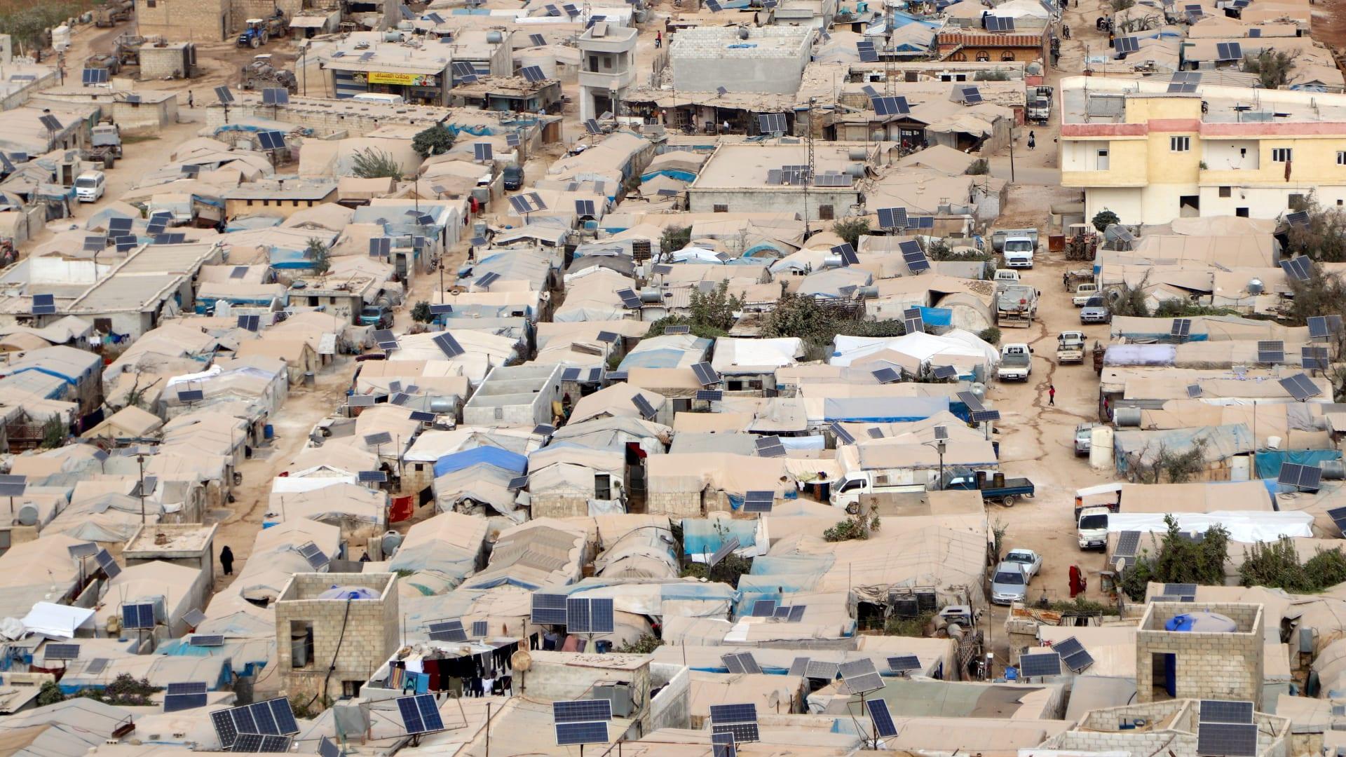 تقرير جديد: جائحة كورونا ضاعفت مستويات الفقر بين اللاجئين السوريين