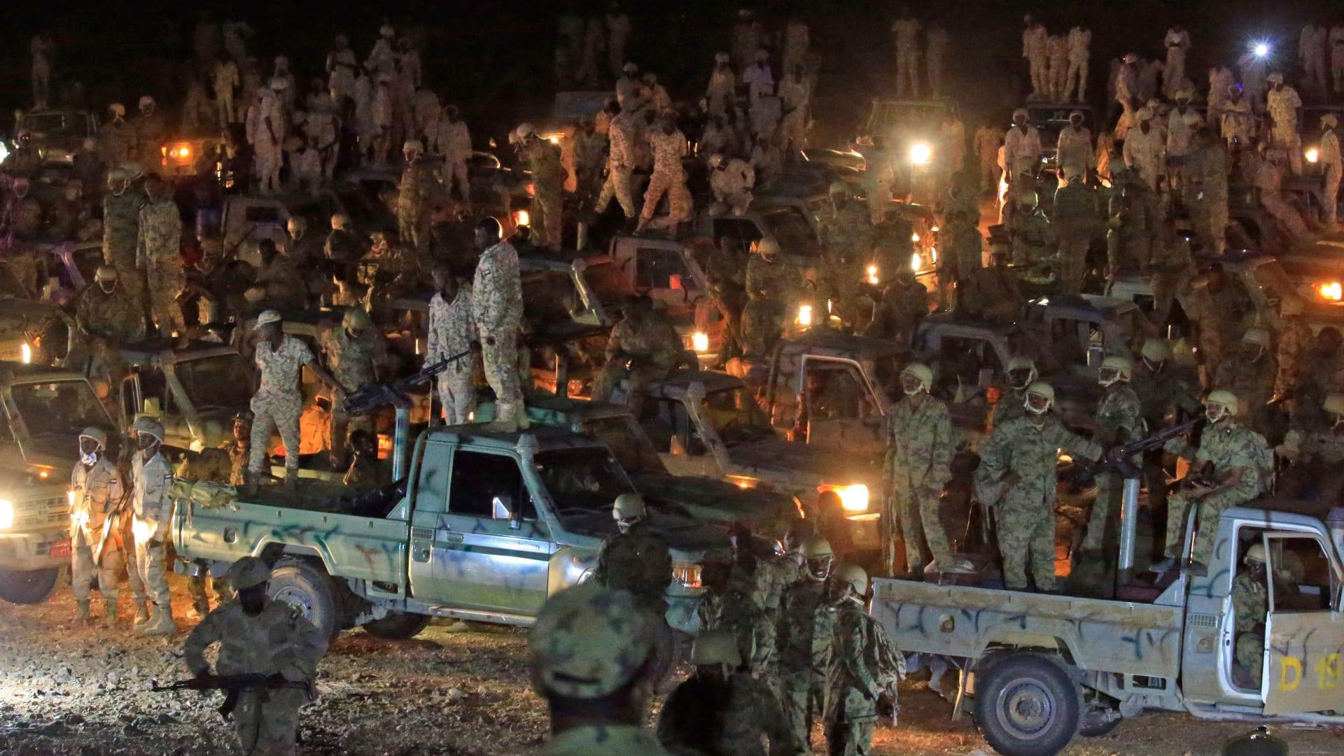 """السودان: تعزيزات عسكرية إلى الشريط الحدودي لاستعادة """"أراض مغتصبة"""" من إثيوبيا"""