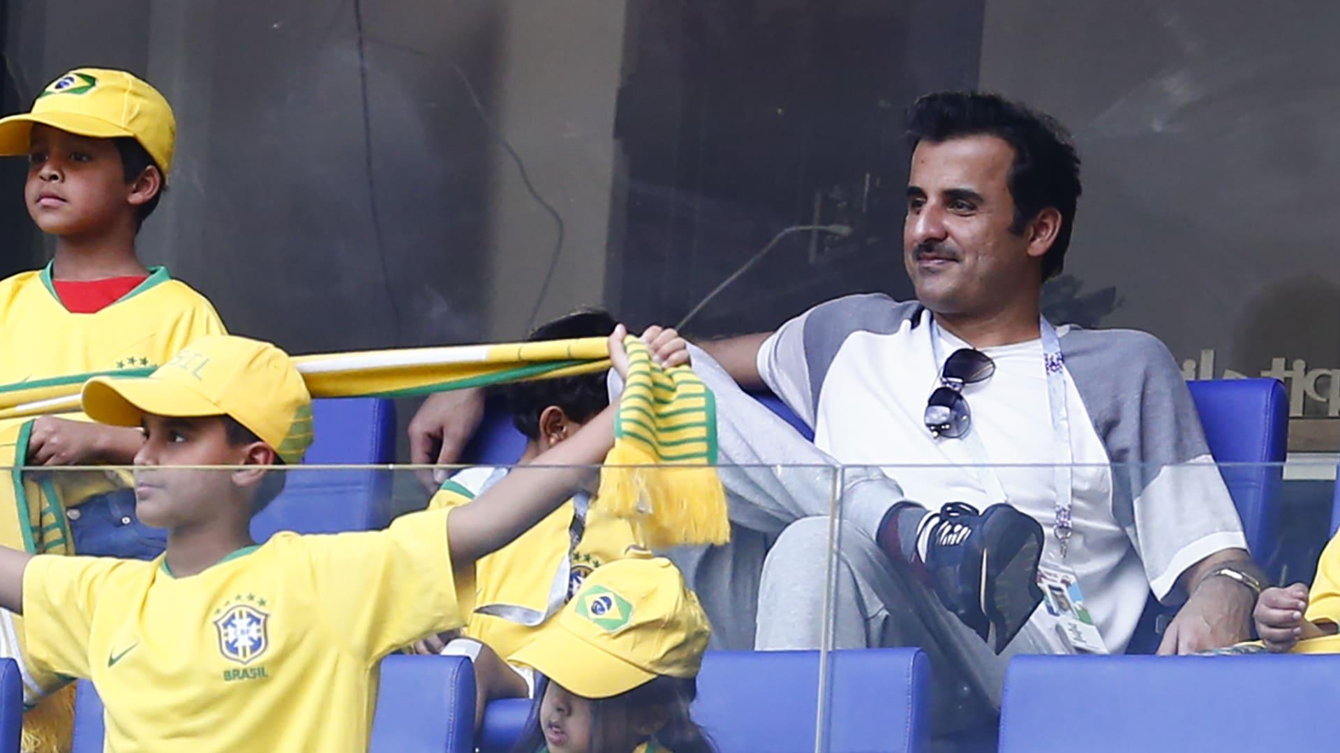 """رئيس الاتحاد الأوروبي يبرز شغف قادة قطر بكرة القدم ويصفها بـ""""سويسرا الشرق الأوسط"""""""
