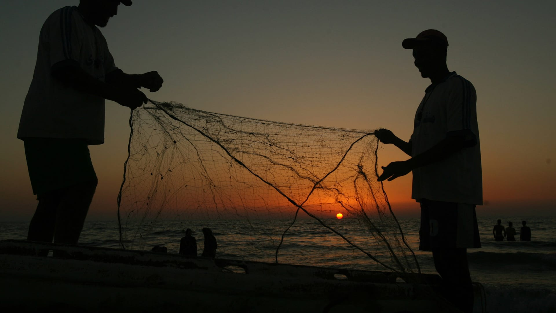 صورة أرشيفية تعبيرية لصيادين
