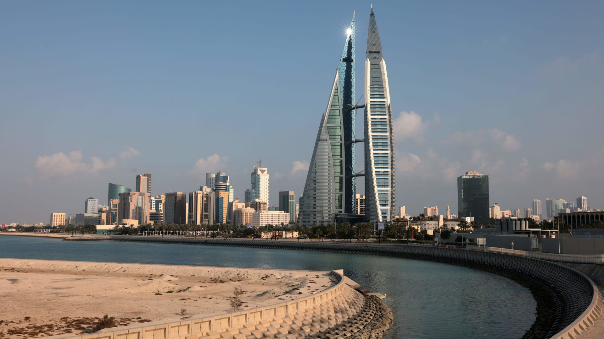 صورة أرشيفية عامة من العاصمة البحرينية، المنامة