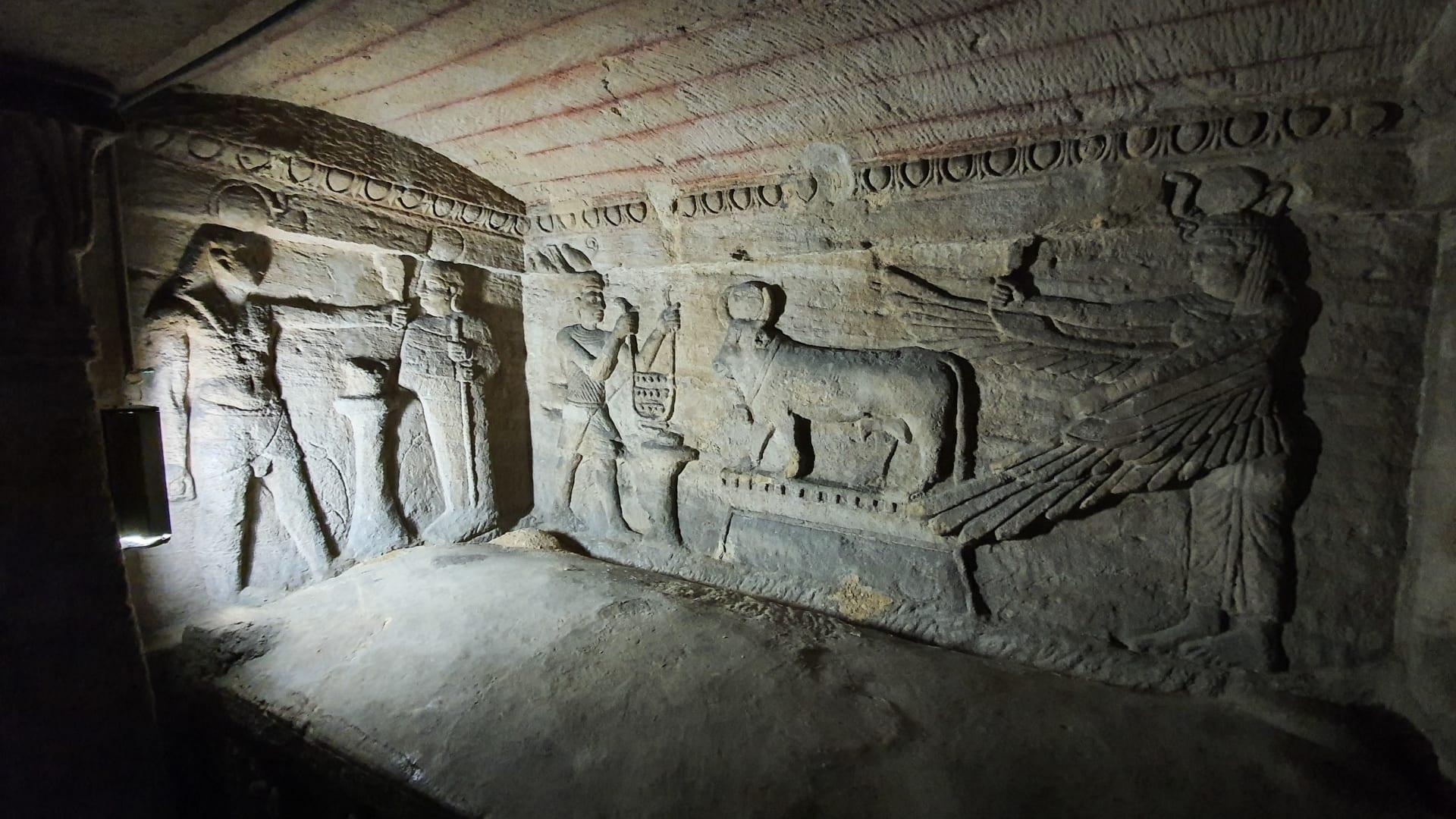 """مقابر """"كوم الشقافة"""" في الإسكندرية بمصر"""
