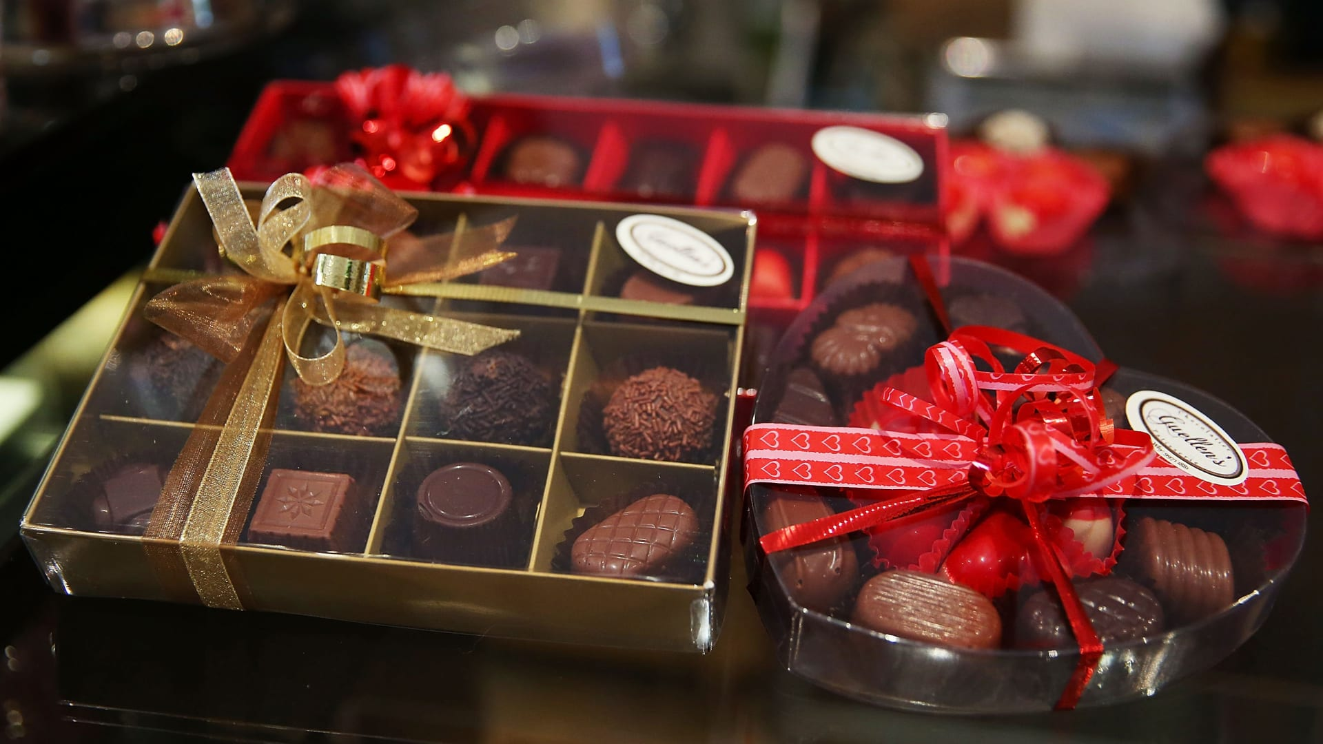 العلاقة بين الشوكولاته وعيد الحب ليست قديمة.. كيف ارتبط الإثنين ببعضهما البعض؟
