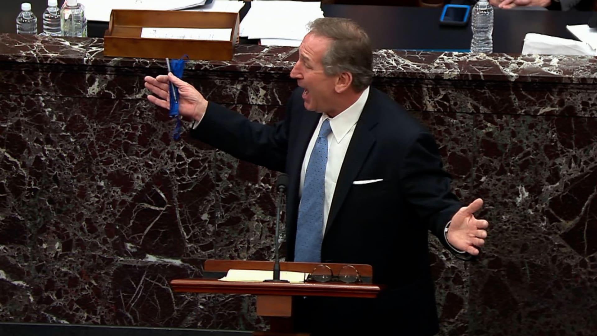 شاهد لماذا ضحك أعضاء مجلس الشيوخ خلال خطاب محامي الدفاع عن ترامب