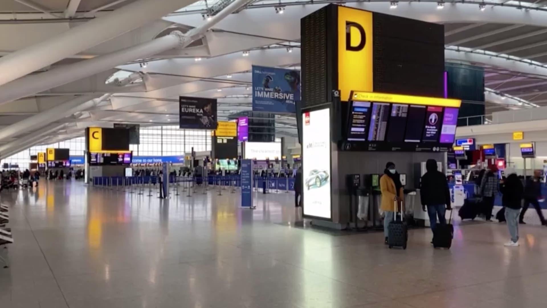 مطارات المملكة المتحدة تستعد لسياسة الحجر الصحي الفندقي على النفقة الخاصة للمسافرين