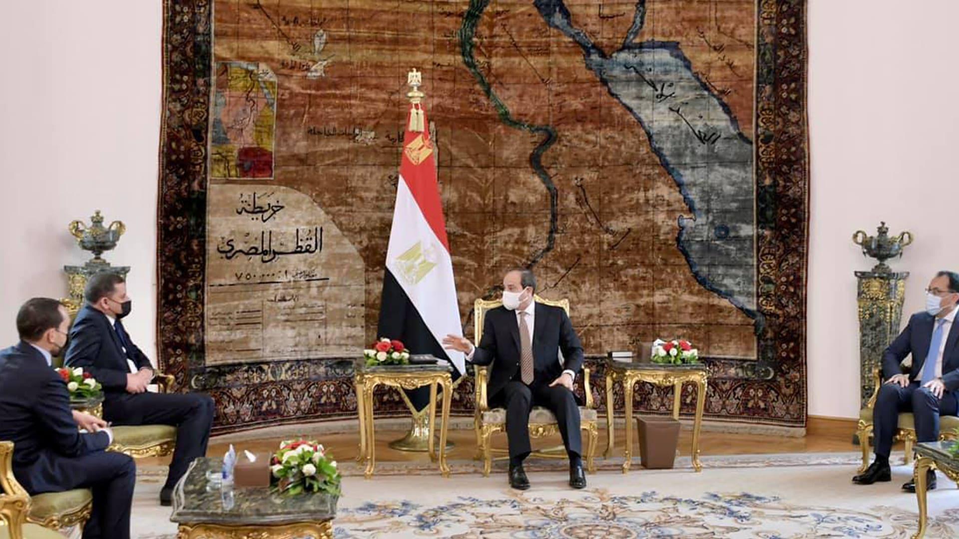 """السيسي يستقبل رئيس حكومة ليبيا الجديدة.. و""""دبيبة"""" يتطلع لـ""""استنساخ التجربة المصرية"""""""