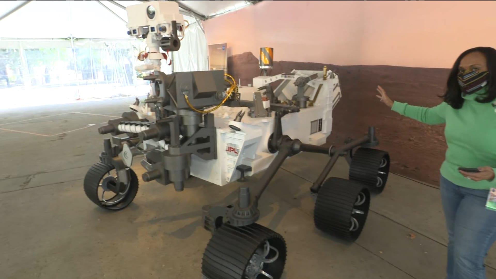 """تعرف على نموذج مركبة """"المثابرة"""" الموجودة على سطح المريخ بالحجم الطبيعي عن قرب"""