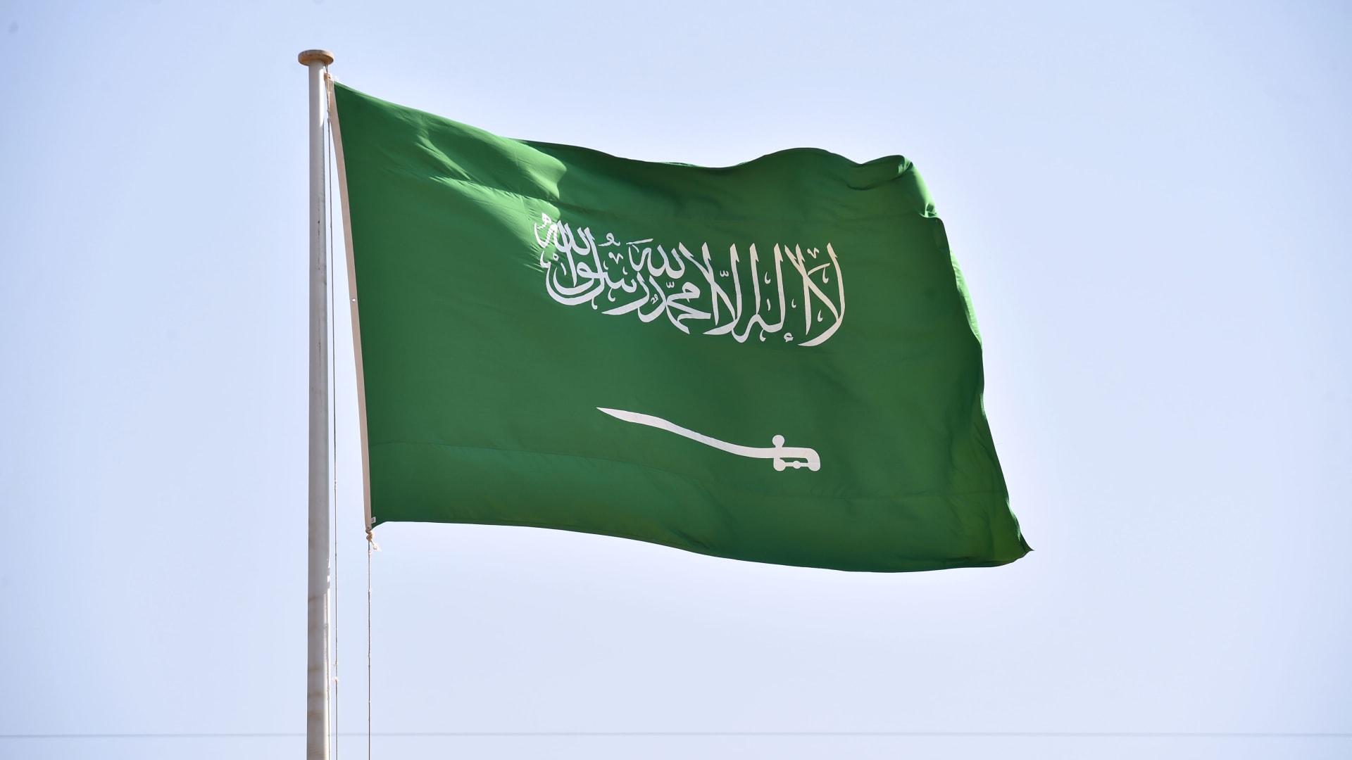 بعد تداول فيديو للواقعة.. الداخلية السعودية تعلن القبض على مواطن اعتدى على امرأة في حفر الباطن