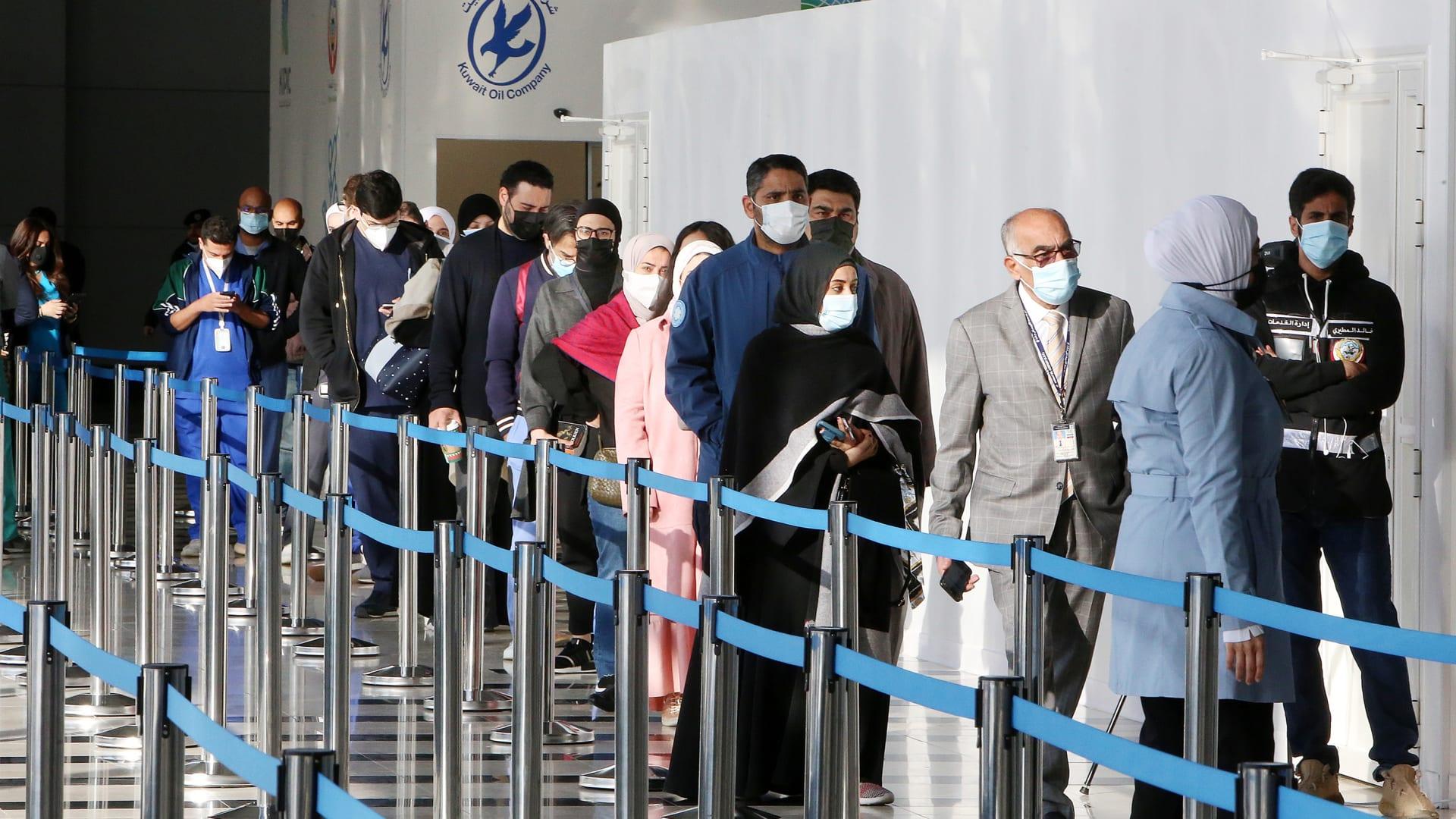 ما هي آخر أرقام حالات الإصابة والوفاة بفيروس كورونا بدول الخليج؟