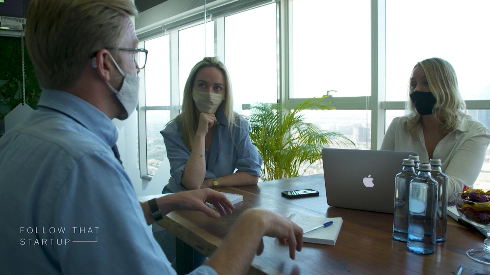 """رواد أعمال يتحدثون عن إنشاء شركاتهم الخاصة: أفضل """"جنون"""" يمكنك فعله"""