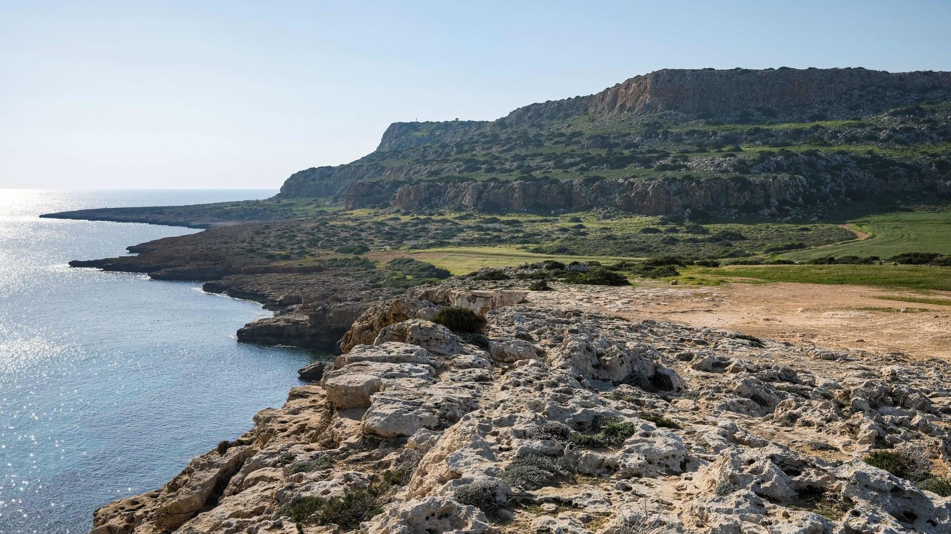 ستسمح قبرص البريطانيين الذين تلقوا لقاح كورونا بالدخول دون قيود اعتبارا من مايو