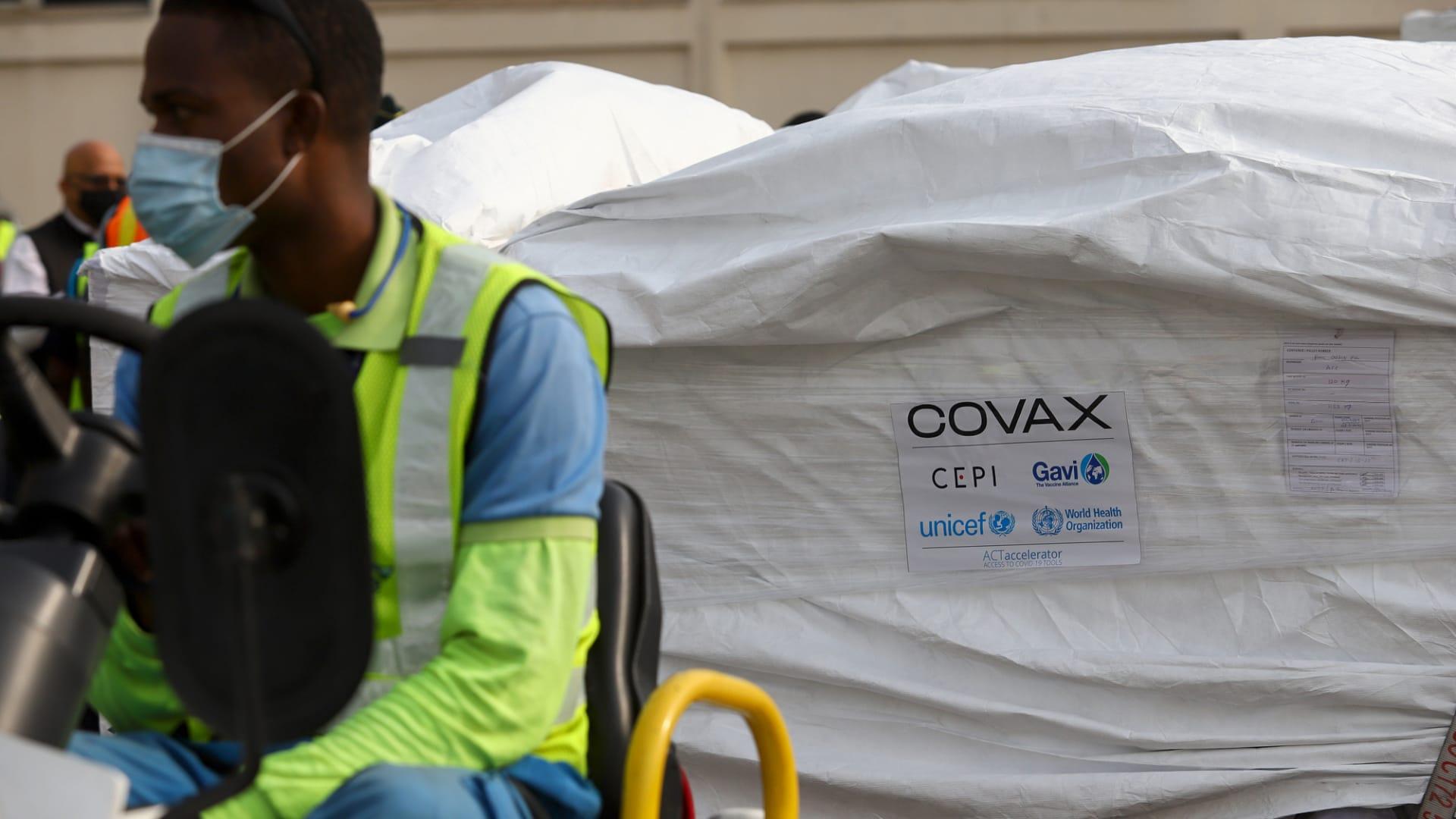 """برنامج """"كوفاكس"""" يوصل 20 مليون جرعة من لقاحات كورونا للدول الفقيرة بالأسبوع الأول من التوزيع"""