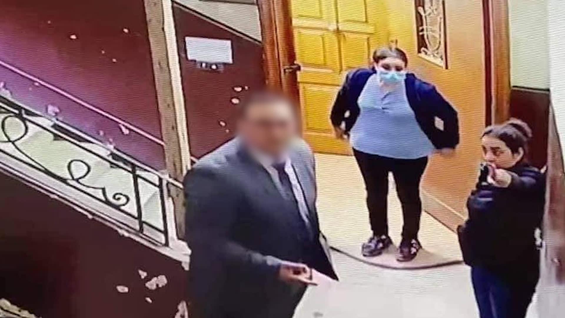 """""""قلت له الكاميرا صورتك"""".. بطلة فيديو متحرش المعادي بطفلة في مصر تروي تفاصيل ما حدث"""