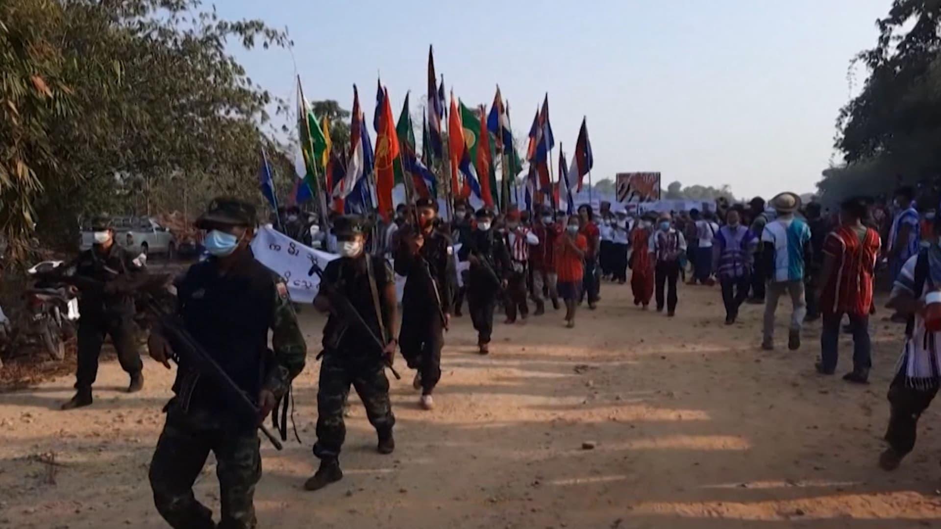 الروهينغا والجماعات العرقية.. تُستهدف بحملة قمع من جيش ميانمار